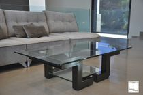 Tavolino basso design originale / in vetro / rettangolare / da interno