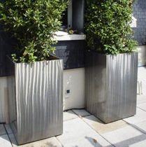 Fioriera in metallo / moderna / per spazi pubblici