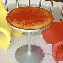 Tavolo moderno / faccia in vetro / in policarbonato / quadrato