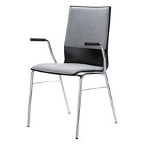 Sedia visitatore moderna / impilabile / con braccioli / imbottita