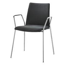 Sedia visitatore moderna / imbottita / con braccioli / impilabile