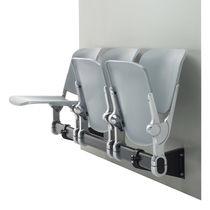Sedute su barra in acciaio / 3 posti / da interno