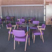 Poltrona moderna / in legno / per ristorante