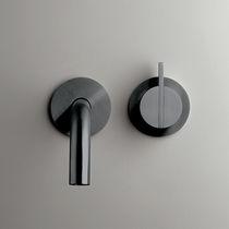 Miscelatore per lavandino / da parete / in acciaio inox / in rame