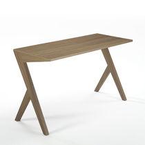 Scrivania in noce / in legno massiccio / moderna / per uso contract