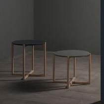 Tavolo d'appoggio moderno / in legno massiccio / in MDF laccato / in marmo