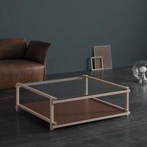 Tavolino basso moderno / in legno massiccio / in MDF laccato / in cristallo