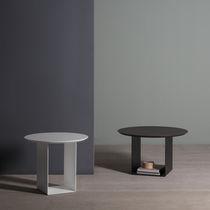 Tavolino basso moderno / in quercia / in MDF laccato / in metallo laccato