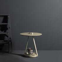 Tavolo d'appoggio moderno / in MDF laccato / in metallo laccato / rotondo