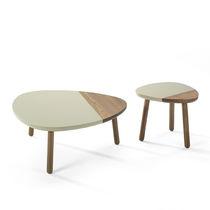 Tavolino basso moderno / in quercia / in noce / in legno massiccio