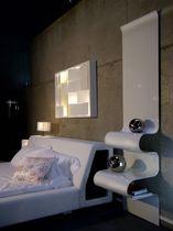 Comodino moderno / in alluminio / per hotel