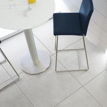 Piastrella per pavimento / in gres porcellanato / satinata / a effetto cemento