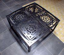 Tavolino basso in stile industriale / in metallo / in metallo patinato / in ferro