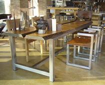 Tavolo design originale / in legno massiccio / in acciaio inossidabile spazzolato / rettangolare