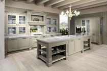 Cucina classica / in legno massiccio / in legno - NORA - Arrex