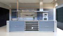 Cucina moderna / in acciaio inox / in laminato / con isola