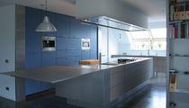 Cucina moderna / in acciaio inox / con isola / opaca