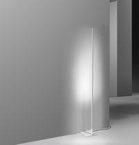 Lampada da pavimento / moderna / in alluminio / da interno