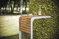 Tavolo design scandinavo / in legno / quadrato / da esterno
