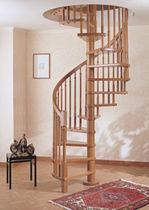 Scala a chiocciola / con gradini in legno / con struttura in legno / senza alzata