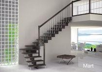 Scala a L / con gradini in legno / struttura in metallo / senza alzata