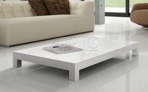 Tavolino basso / moderno / in legno laccato / da esterno