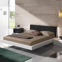 Letto flottante / doppio / moderno / in legno