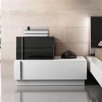 Comodino / moderno / in legno / da esterno