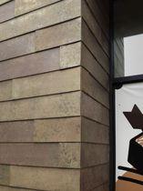 Lamiera metallica goffrata / in zinco / a muro / per rivestimento di facciata