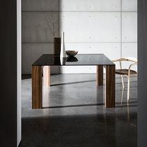 Tavolo da pranzo moderno / impiallacciato in legno / in vetro temprato / rettangolare