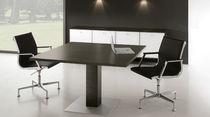 Tavolo da riunione moderno / in noce / rettangolare / modulare