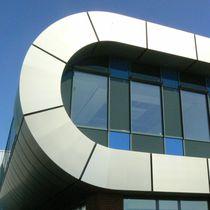 Rivestimento di facciata in composito / in titanio / in zinco / liscio