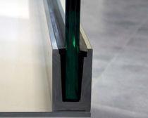 Sistema di fissaggio metallo / per pannelli