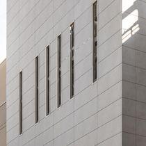 Rivestimento di facciata per facciata ventilata / in ceramica / levigato / in pannelli