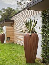 Vaso da giardino in plastica / conico / luminoso