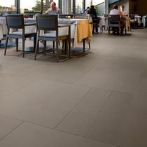 Pavimento in pietra / per hotel / a quadrotte / finitura satinata