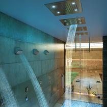 Soffione doccia da incasso a soffitto / rettangolare / a cascata / con cromoterapia