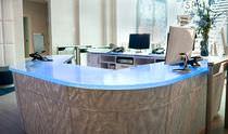 Banco reception modulare / luminoso / d'angolo / in vetro