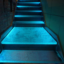 Gradino in vetro / con LED integrati