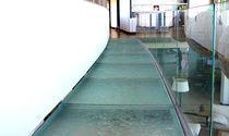 Pannello in vetro decorato / per solaio / ad alta resistenza / traslucido