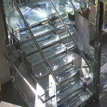 Scala a U / con gradini in vetro / con struttura in metallo / senza alzata