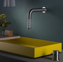 Miscelatore per lavabo / da parete / in acciaio inox / in vetro