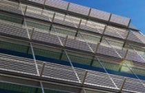Frangisole in alluminio / per facciata / accessibile / orizzontale