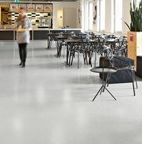Pavimento in vinile / professionale / a quadrotte / liscio