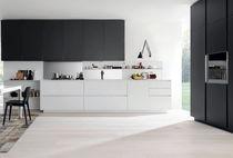 Cucina moderna / in vetro / in alluminio / in alluminio laccato