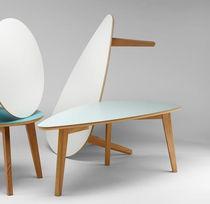 Tavolino basso moderno / in MDF / in laminato / triangolare