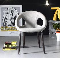 Sedia moderna / imbottita / in tessuto / in faggio