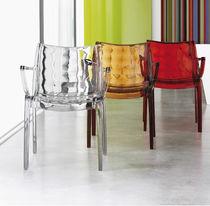 Sedia moderna / con braccioli / impilabile / in policarbonato