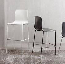Sedia alta moderna / con poggiapiedi / riciclabile / in acciaio