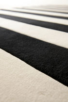 tappeto moderno a righe in lana STRIPE by Therese Sennerholt a-carpet